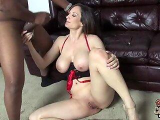 Stephanie Wylde cougar got face cream from black cock