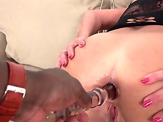 A hot asian babe gets a big pussy creampie HD