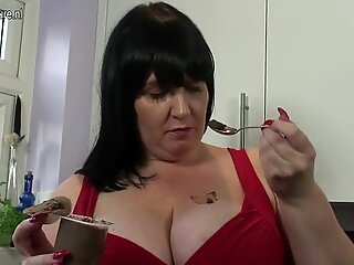 Busty mature mother with amazing curvy body