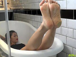 Asain puckered soles - Syuan (feet toes pantyhose crush POV ) total