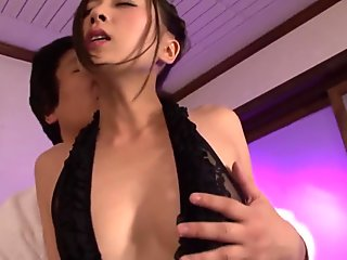 bubble butt bitch gets freaky as she gets plowed