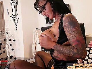 Deutsche Hausfrau &uuml_berredet Ehemann sie zu Schw&auml_ngern mit einem Creampie