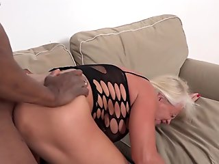 Busty Milf Getting Her Pussy Fucked Hard Cum To Mouth On The Couch In The Sitting Room