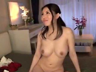 Hot girl Sofia Takigawa
