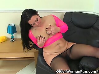 british mummy Louise Bassett is finger-tickling her nyloned pussy