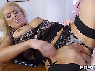 Milf granny Having Her Way With A Rookie - Jane Way