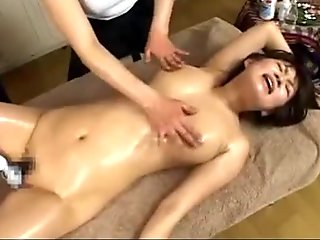 2 Masseuse Girls Fingering Girl Pussy Fucking With Toy Until She Has Orgasm And Squirting