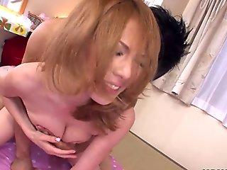 Asian skinny slut gets fucked as she creams the cock