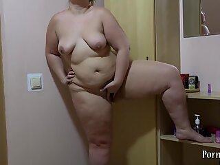 bbw boinks her immense donk!