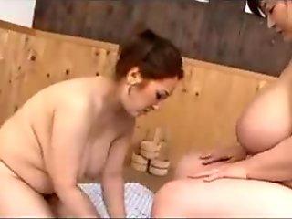 A wonderful Lesbo-Bathing