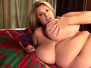 American BBW mom Kimmie Kaboom needs a good sex