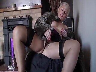 buxomy ash-blonde II